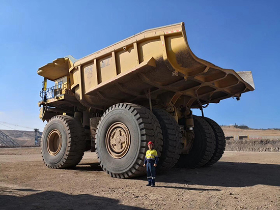 Excellent Performance of the Largest LUAN Earth Moving Tire 59/80R63 Running on Coal Mines